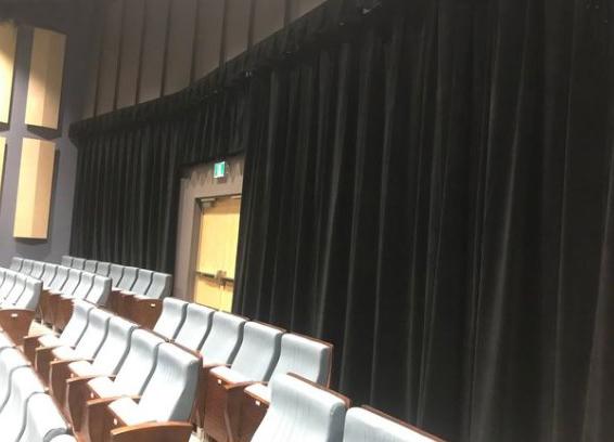 instalaciones en teatros con telones y cortinajes ignifugos